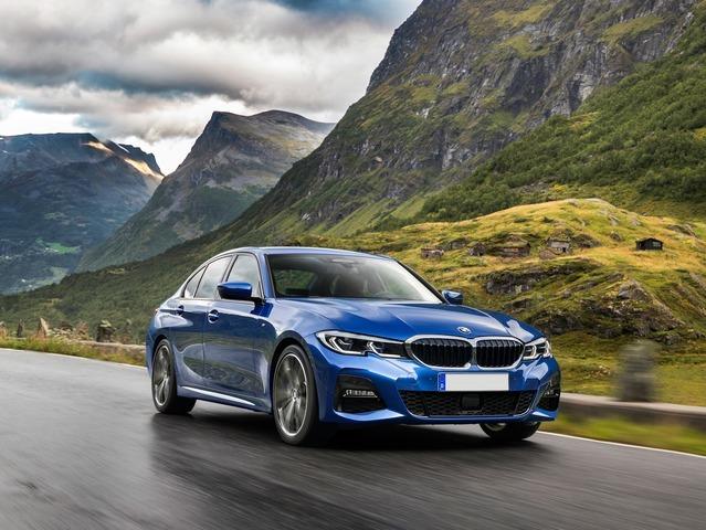 nuova SERIE 3 - BMW N°6